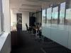Priestor je takmer hotový, ešte treba dokončiť detaily, doplnky, obrazy a rastlinky. No inak sa v Office úraduje.