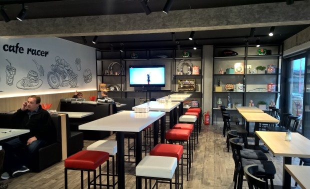 Cafe Racer – fast food restaurant (realizácia)